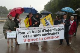 Pas de parapluie contre l'arme atomique